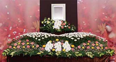 ファミリーホール湘南台、アレンジ祭壇・秋洸(タイプⅡ)154,000円